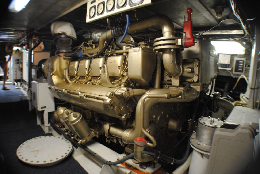 Striker 70 Sportfisher Engines
