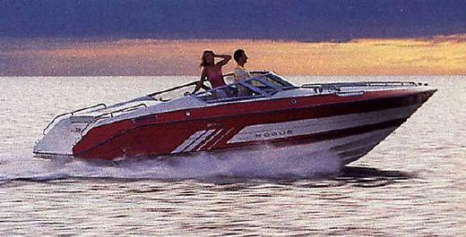 1988 Cruisers Yachts 2400 Rogue