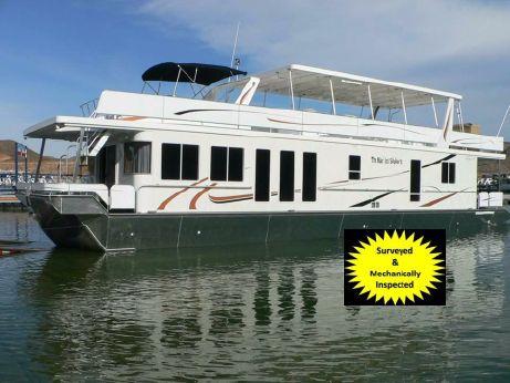 2007 Thoroughbred Custom House Boat