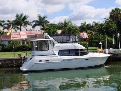 2000 Carver 406 Aft Cabin Motor Yacht w/ Diesels