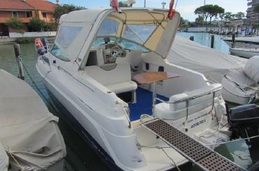 1996 Wellcraft 2560 Martinique