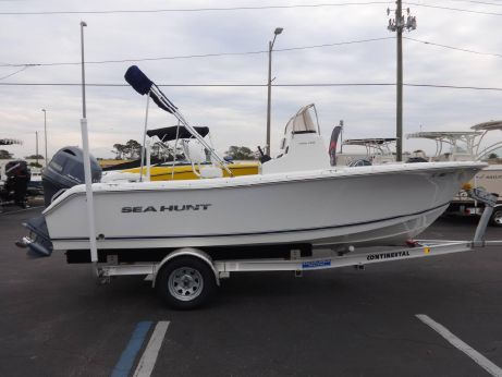 2015 Sea Hunt Ultra 196
