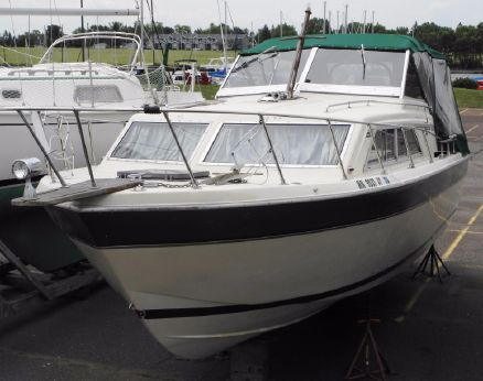 1981 Chris Craft 281 Catalina Express
