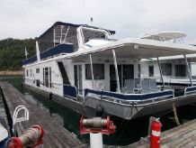 2005 Thoroughbred 17 x 80 Houseboat