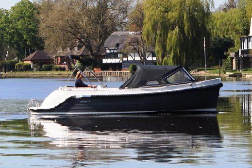 2017 Interboat Intender 640