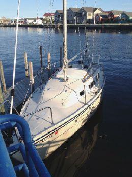 1982 Catalina 25 Standard Rig Sloop