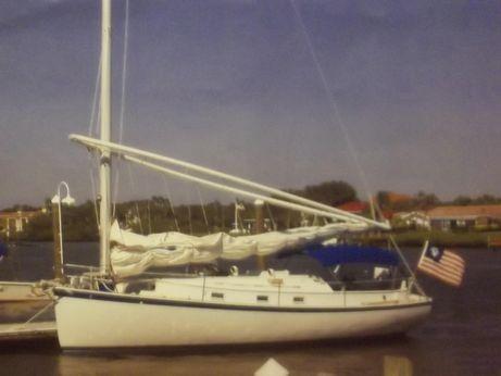1982 Hinterhoeller Nonsuch 30 Catboat