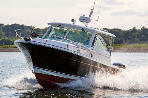 2017 Hunt Yachts Surfhunter 32
