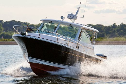 2018 Hunt Yachts Surfhunter 32