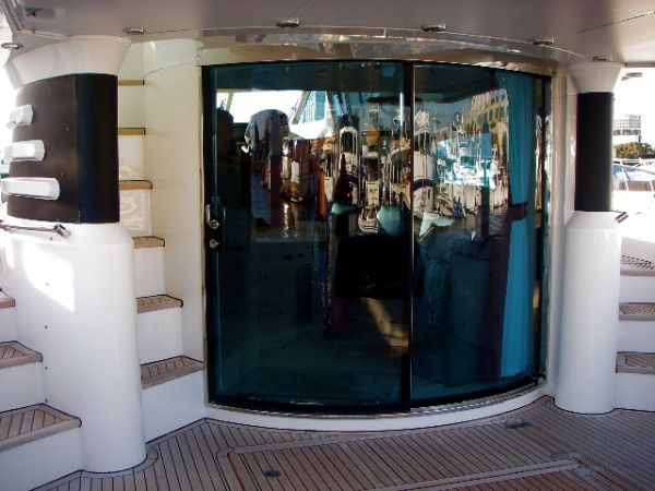Fairline 62 Squadron Yacht Salon Entrance