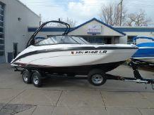 2017 Yamaha Boats AR210