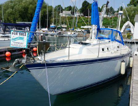 1984 Columbia Yacht 10.7