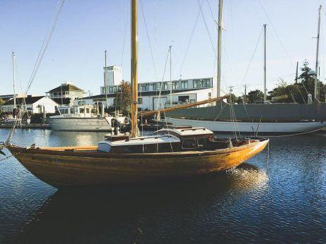 1960 Corsair 28