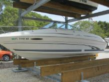 2000 Sea Ray 215 Weekender Cuddy Cabin