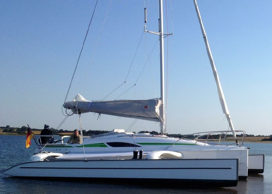 2015 Dragonfly 28 Swing Wing Touring Sail Boat For Sale