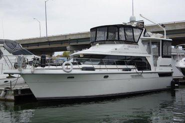 1995 Carver 445 Aft Cabin Motor Yacht