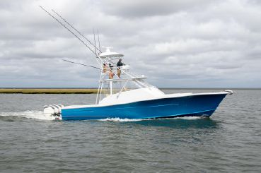 thumbnail photo 0: 2019 Release Boatworks 43 Walkaround Outboard