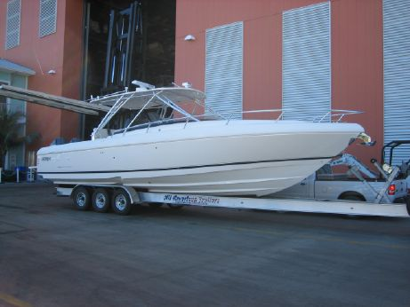 2008 Intrepid 370 Cuddy