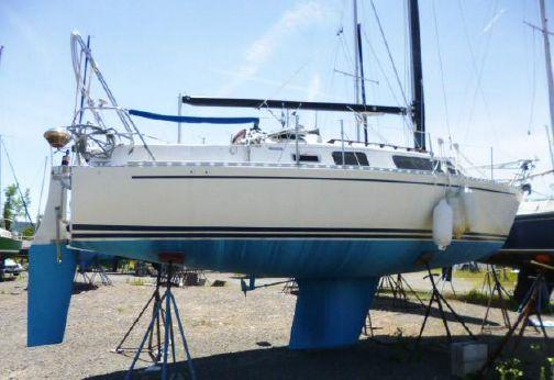 1985 Freedom Yachts 29