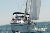 photo of 35' Catalina 350