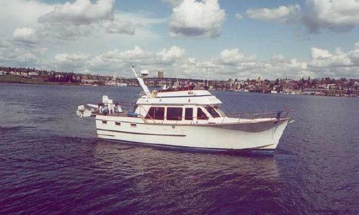 1984 Ocean Alexander AFT Cabin
