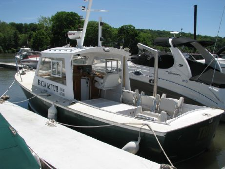 1977 Dyer Hardtop W/ Bow Thruster - 5KW Generator - Research Patrol Boat