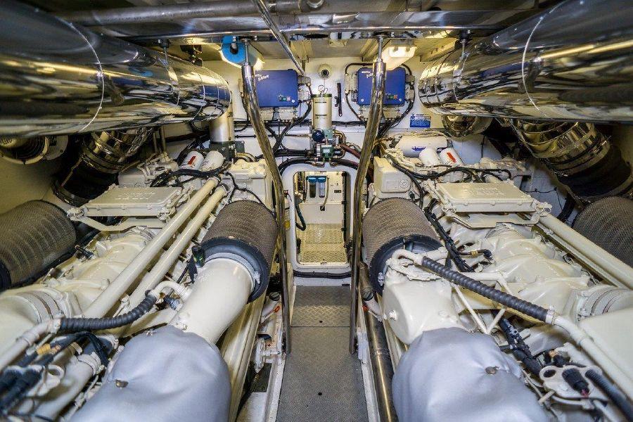 Viking Sport Cruisers 84 Engines