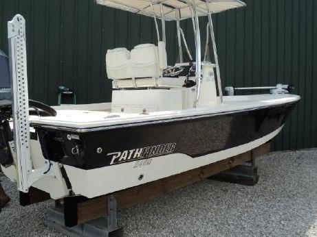 2013 Pathfinder 2400 TRS
