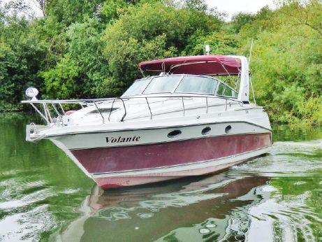 1990 Cruisers Yachts 3075 Rogue