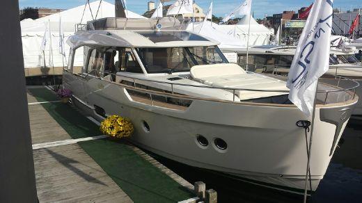 2015 Greenline 48 Hybrid