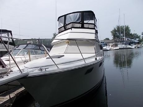 1987 Carver Yachts 3207
