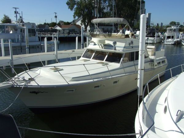 Ray bock the mariner network 1977 43 viking double for Viking 43 double cabin motor yacht