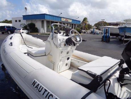 2006 Nautica 12