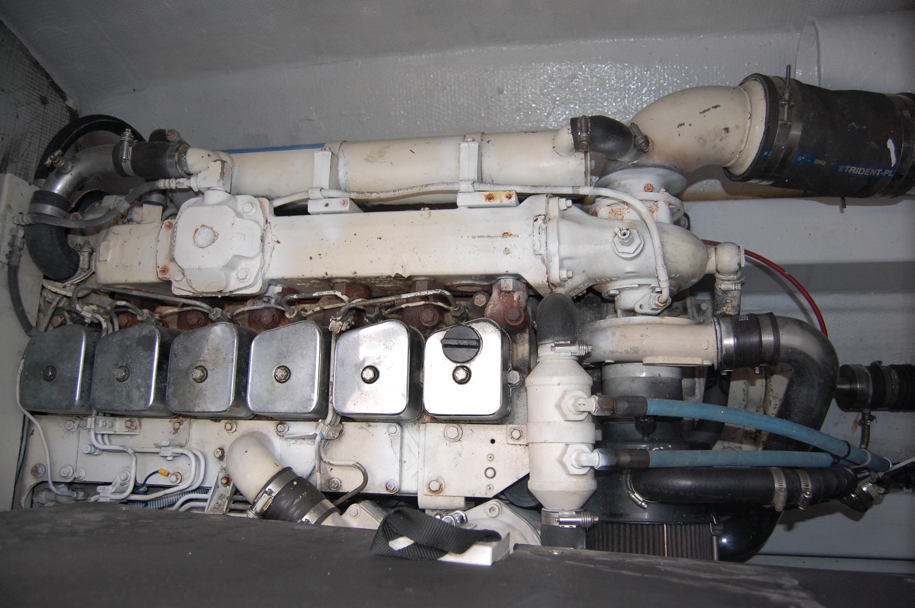 33' Knight & Carver Sportfisher+Engine room view 2