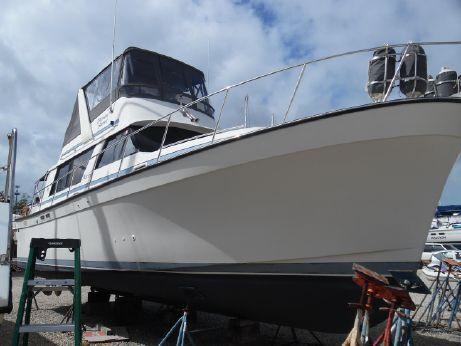 1988 Mainship 36 Nantucket Sedan