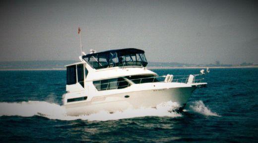 1996 Carver 370 Voyager