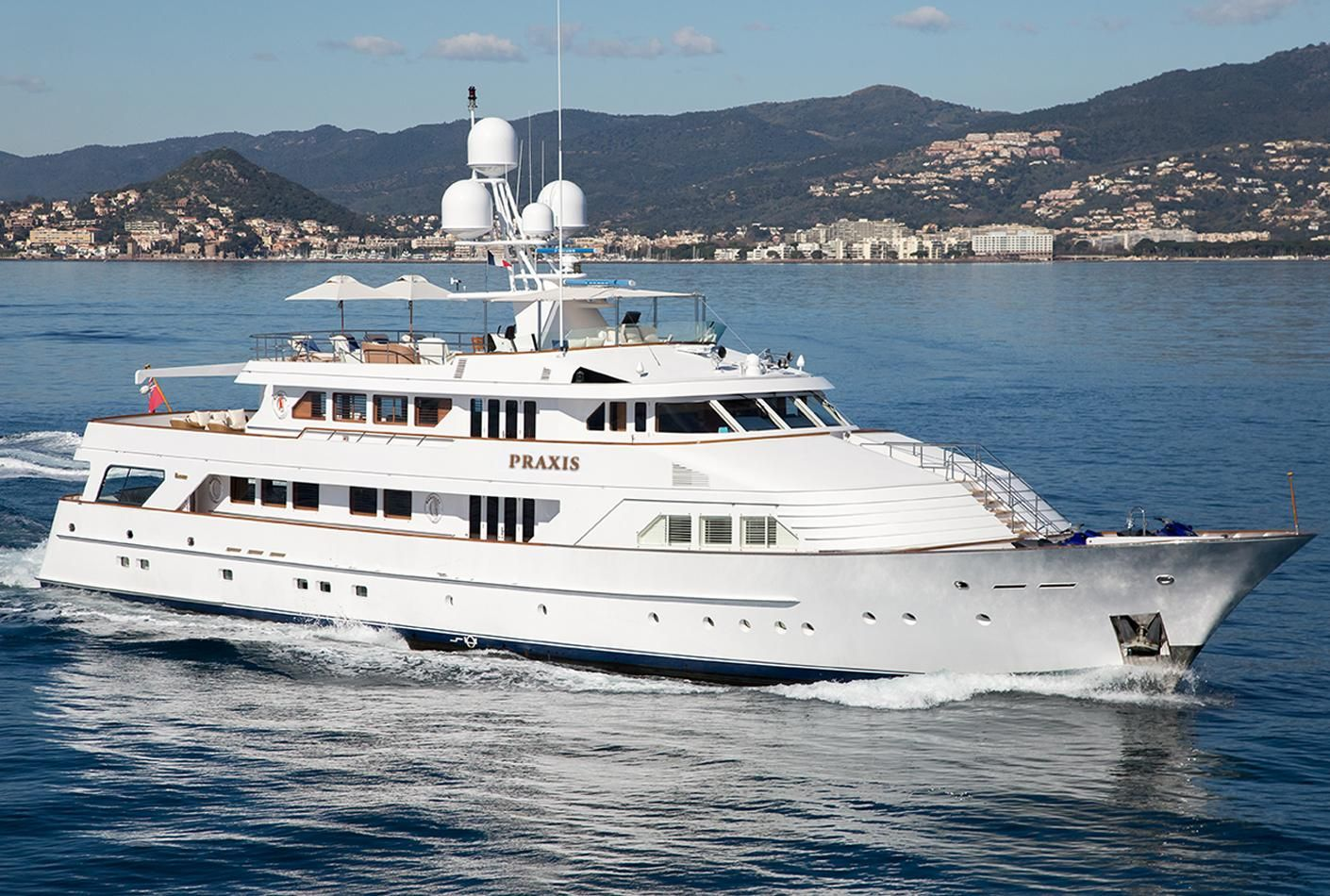 1987 feadship full displacement ocean going power boat for for Large motor yachts for sale
