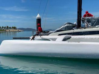 2021 Corsair 880 Sport hull #9