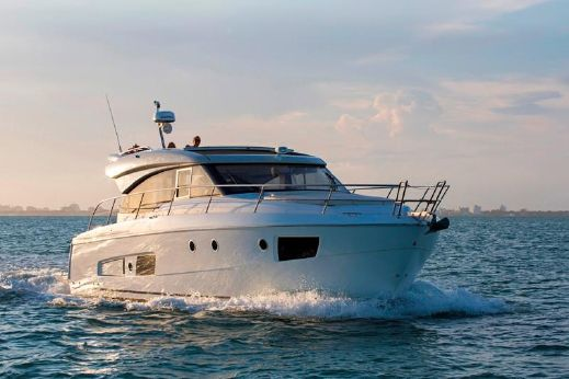 2015 Bavaria Motor Boats Virtess 420 Coupe