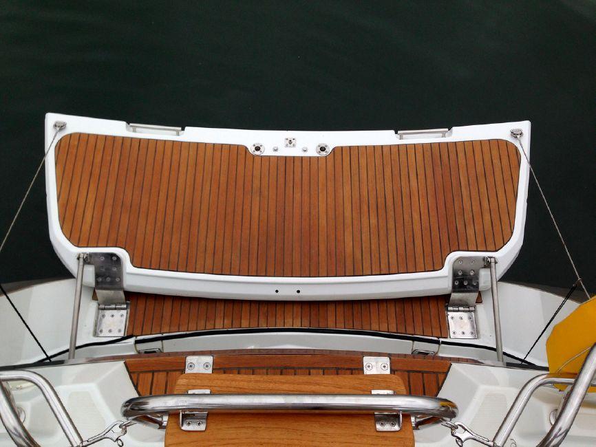 Jeanneau 57 Yacht Swim Platform