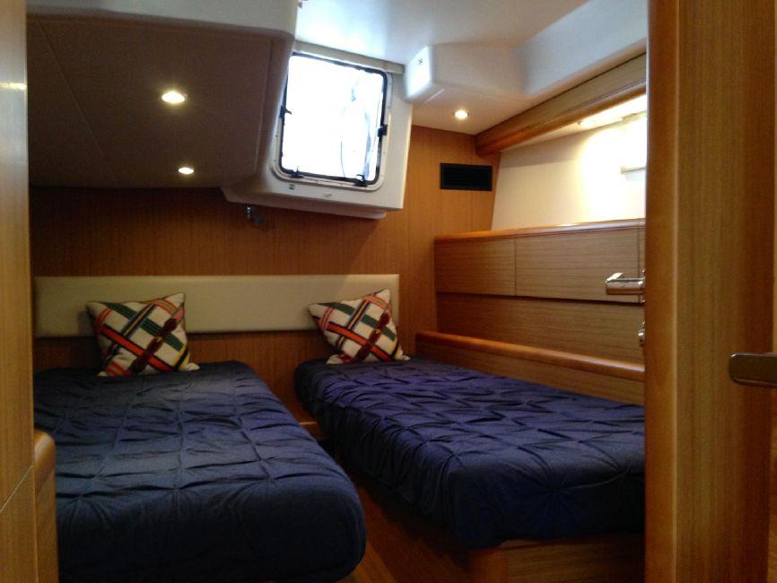 Jeanneau 57 Yacht Guest Stateroom