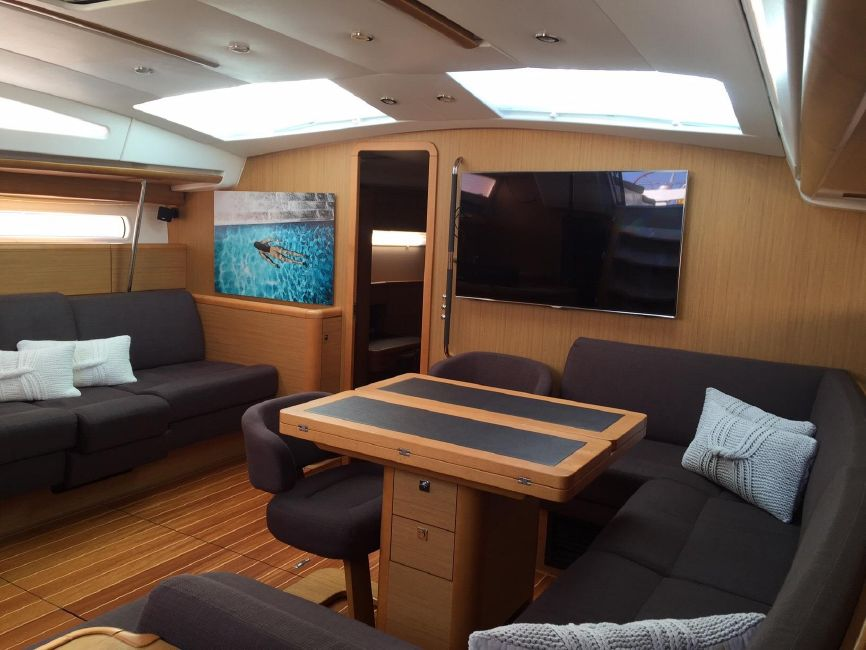 Jeanneau 57 Yacht Salon Interior