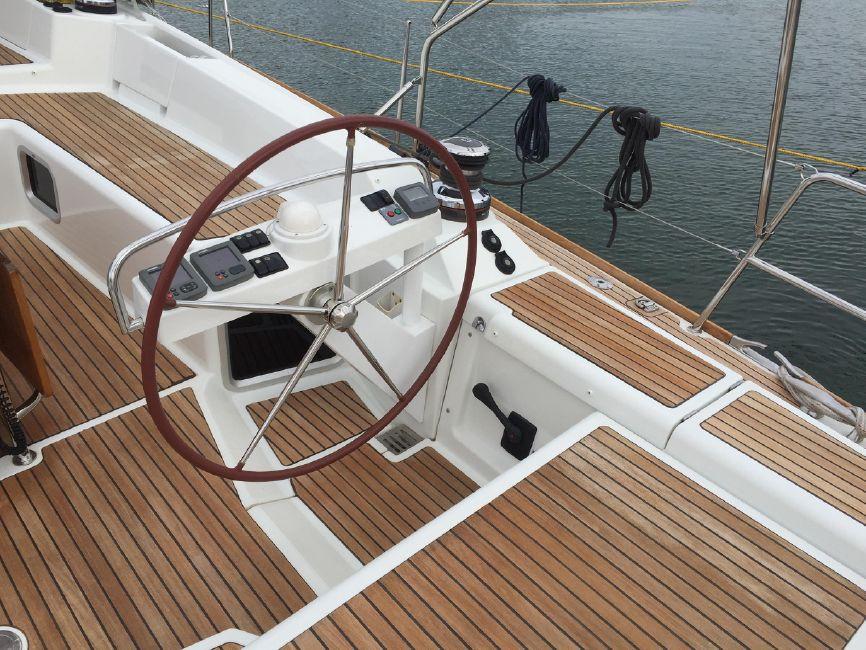 Jeanneau 57 Yacht Starboard Helm Wheel