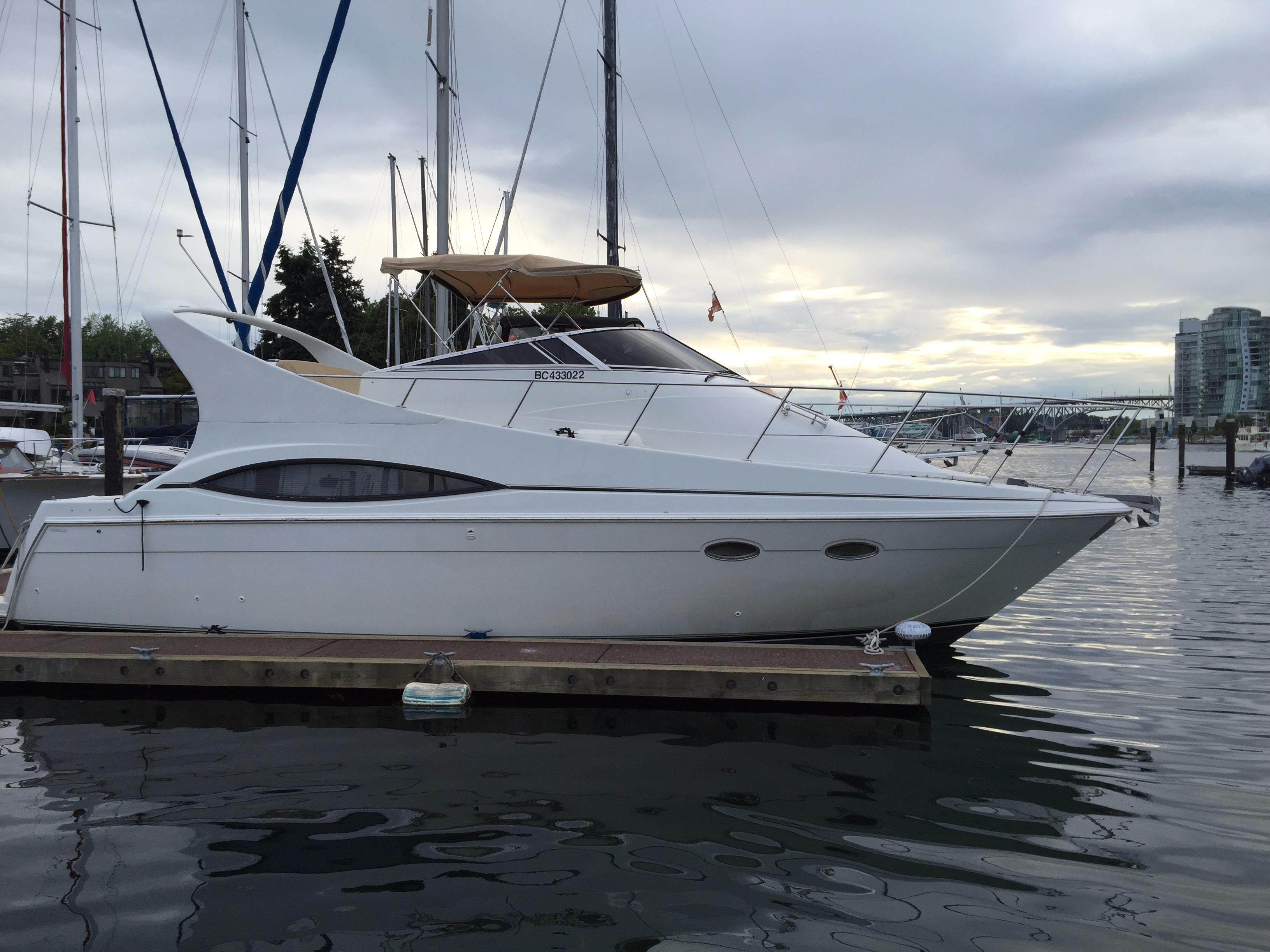 1998 Carver 350 Mariner Power Boat For Sale - www ...