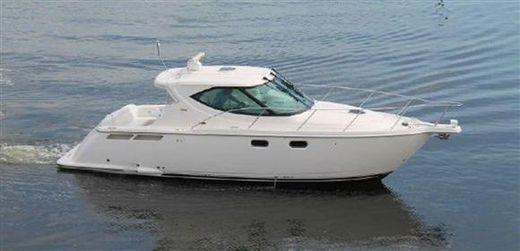 2011 Tiara Yachts 3500 Sovran LE