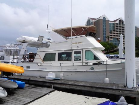 1984 Island Gypsy Flush Aft Deck