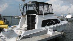 photo of  40' Mainship 40 Sedan Bridge