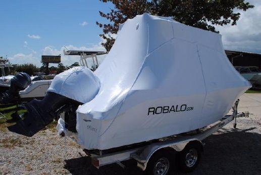 2017 Robalo 200 Center Console