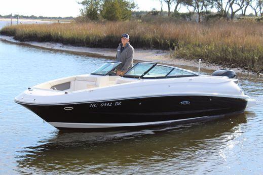 2013 Sea Ray 240 Sundeck Outboard