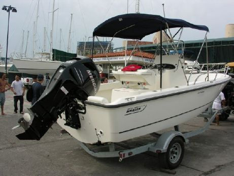 2007 Boston Whaler Outrage 19